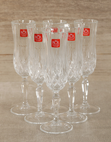 Wedding Gifts For Couples South Africa : Veuve Clicquot Brut Champagne with Crystal Glasses R 1359.95