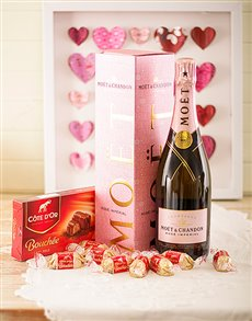 Love and Romance - Hampers and Gifts: Treasured Moments!