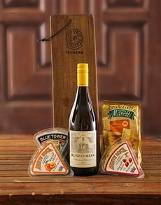 Engagement - Hampers and Gifts: Trudeau Board with Wine and Cheese !